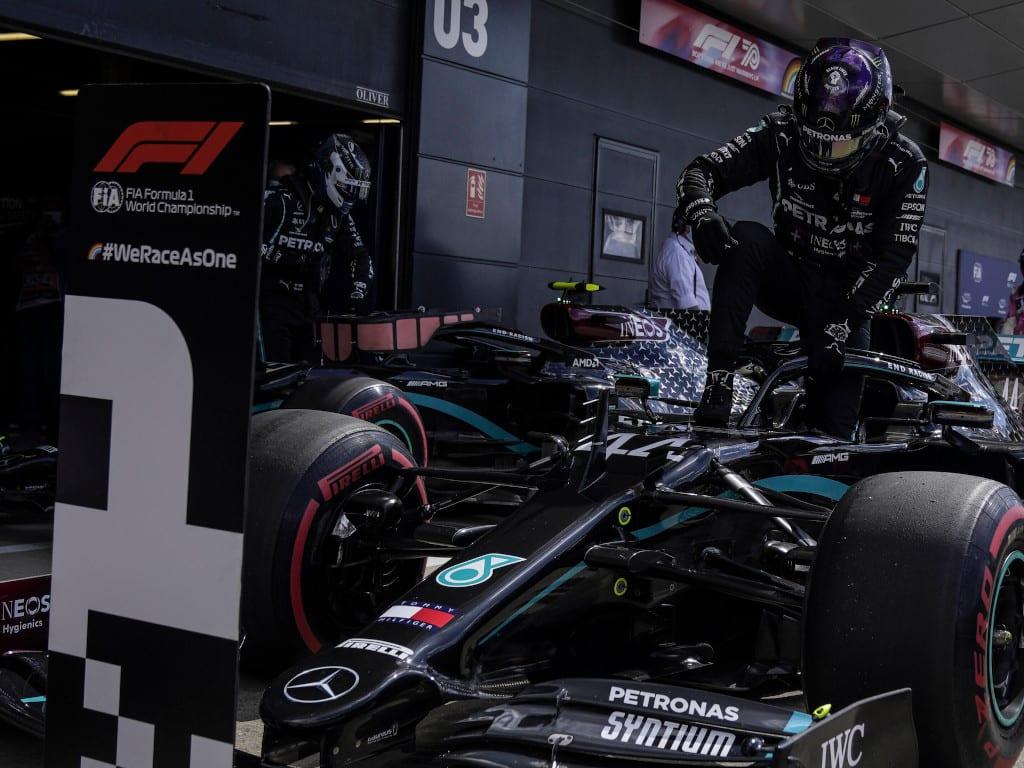 F1 5 เหตุผล ที่ทำให้การแข่งขันรถยนต์สูตรหนึ่ง F1 ได้รับความนิยมมายาวนาน